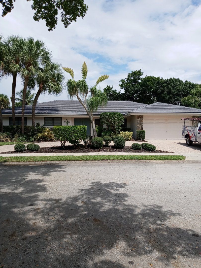 Hollywood, FL - Finished eagle bel-air concrete roof tile and flat roof by earl w Johnston roofing llc