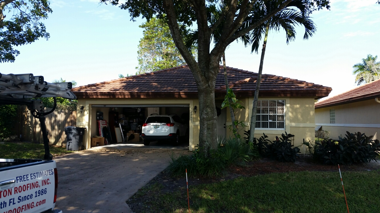 Wellington, FL - Tile repair estimate in Wellington
