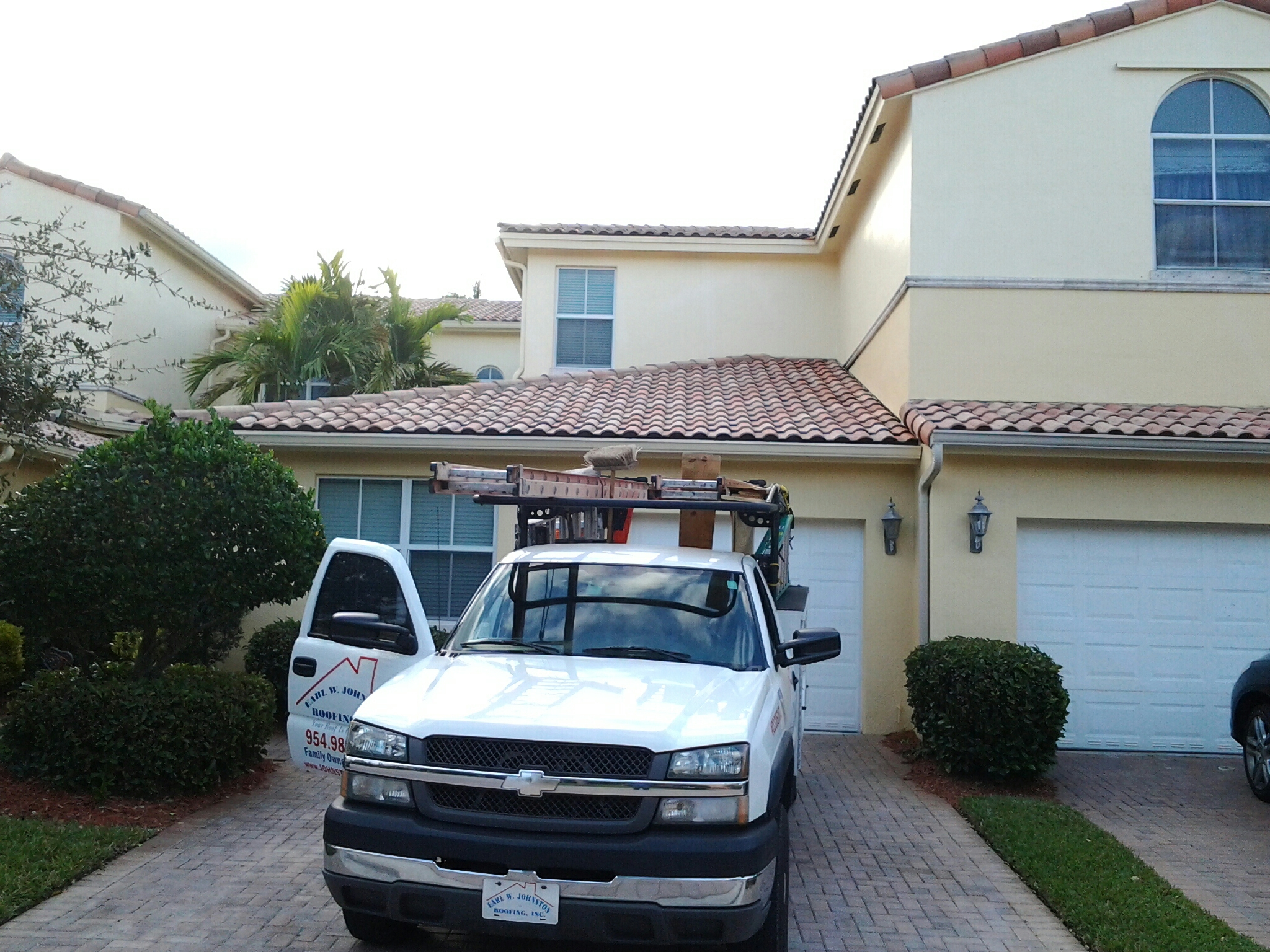 Boynton Beach, FL - Jeff and isreal are doing a roof repair in hollywood Fl