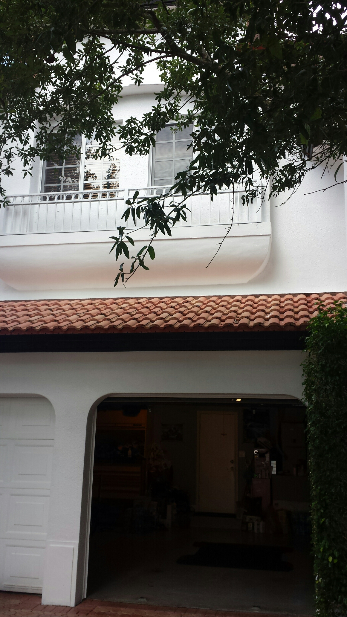 Doral, FL - Tile repair estimate at Doral