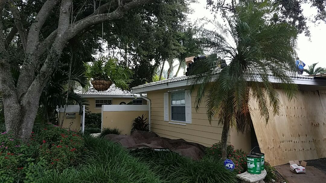 Palmetto Bay, FL - 32 sq tile tear off
