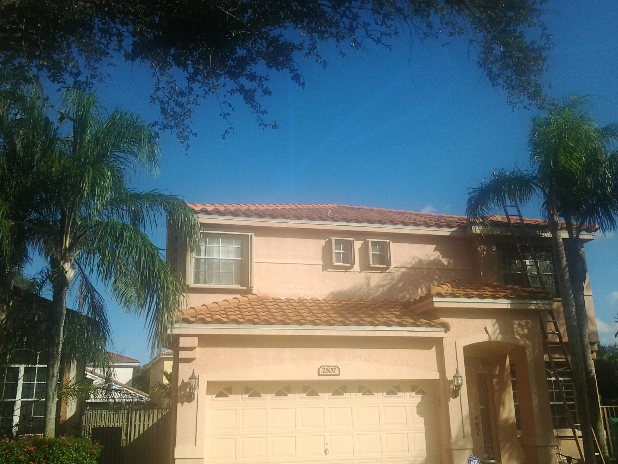 Miami Springs, FL - Roof a cide in Hollywood