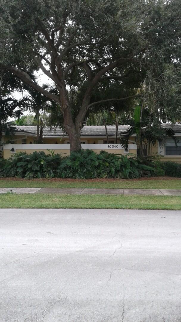 Palmetto Bay, FL - Finished entegra plantation flat roof tile