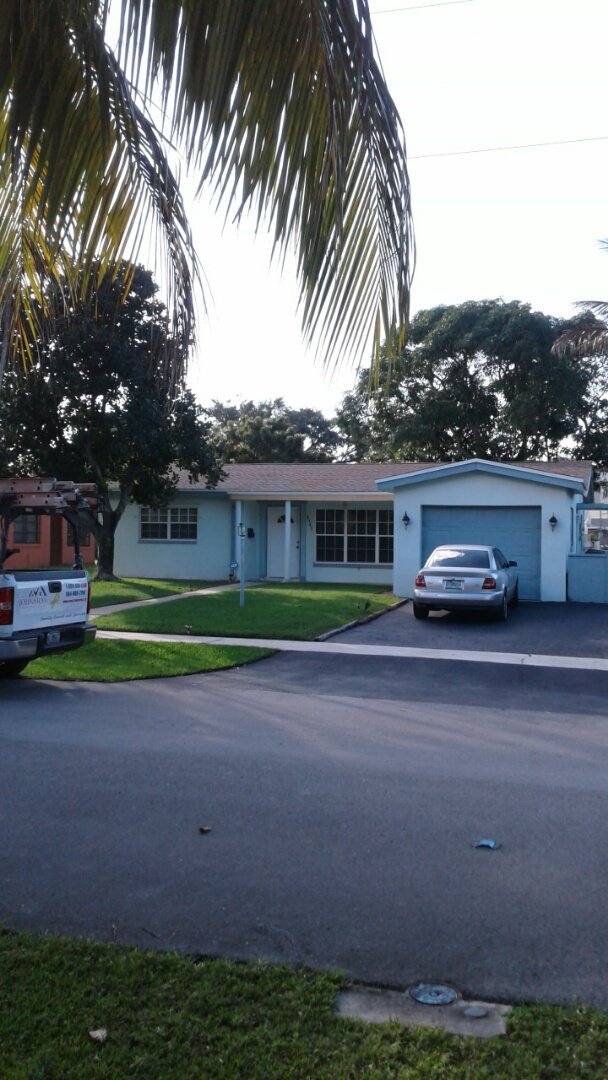 Lauderdale Lakes, FL - Finished gaf timberline shingle and flat roof