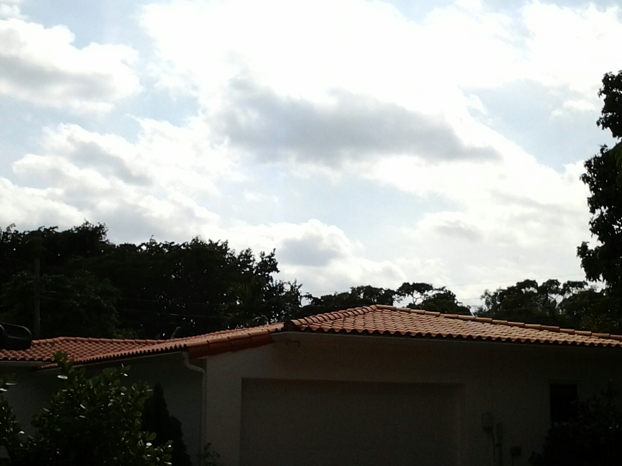 Coral Gables, FL - Pressure clean and roof a cide in Miami