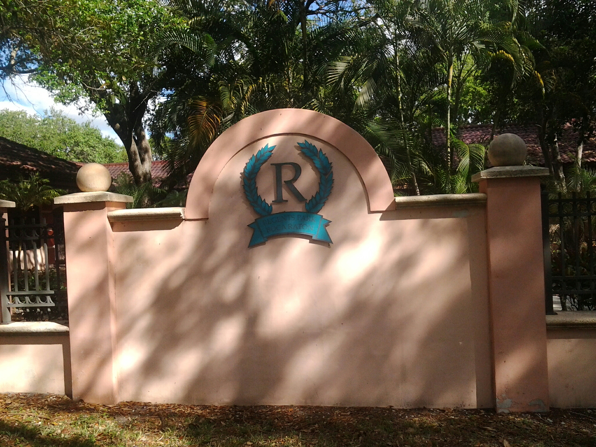 Boca Raton, FL - Flat roof repair in the city of boca raton fl this repair is being done by Earl w Johnston roofing company Jos? end Walter are you repair technicians