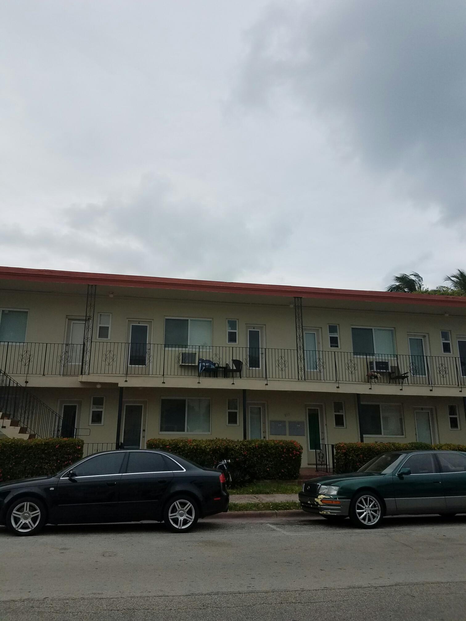 Miami Beach, FL - Flat re-roof estimate in Miami Beach