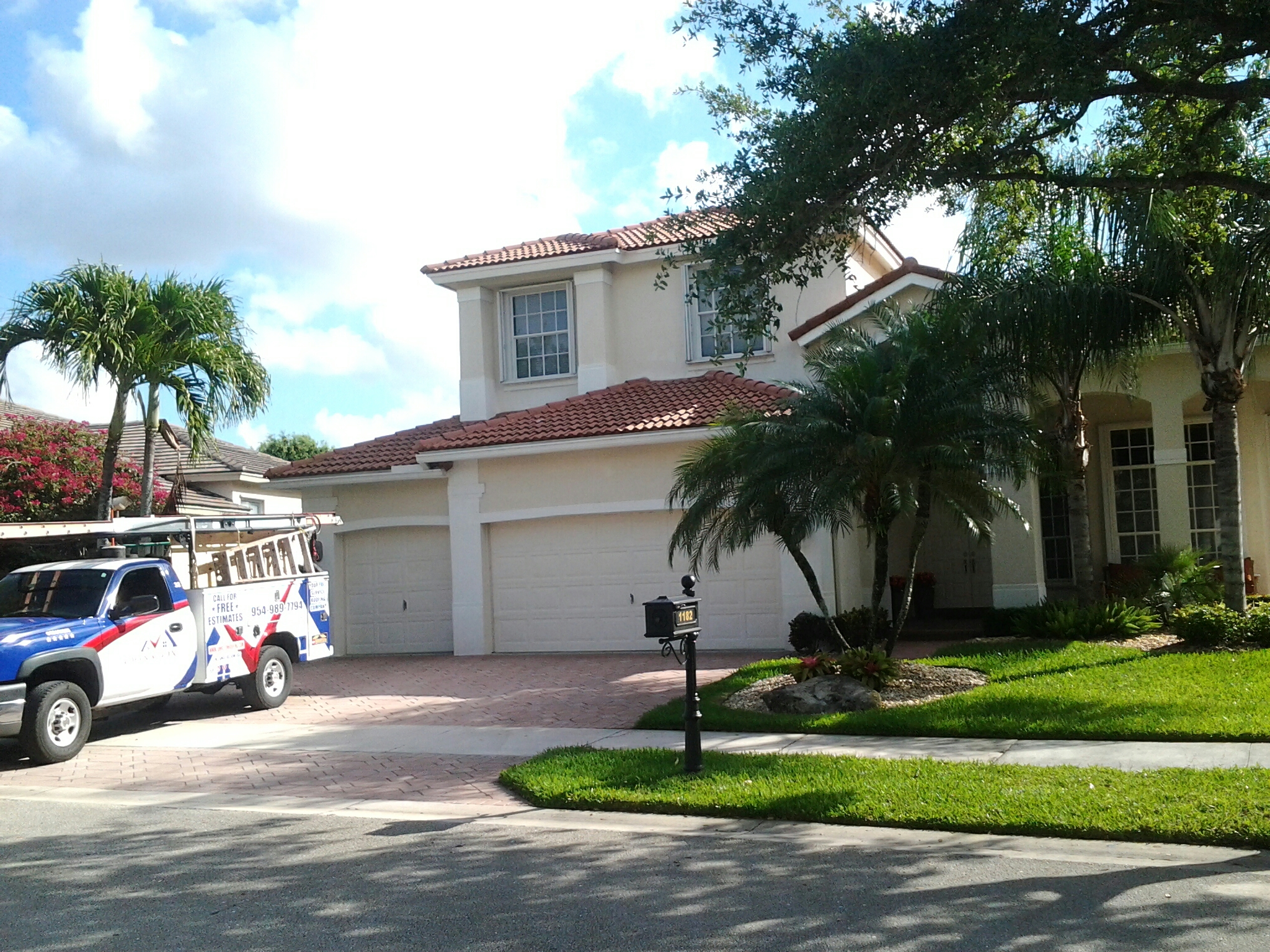 Weston, FL - Tile roof repair in the city of weston fl this repair is being done by Earl w Johnston roofing company Jos? end Walter are you repair technicians