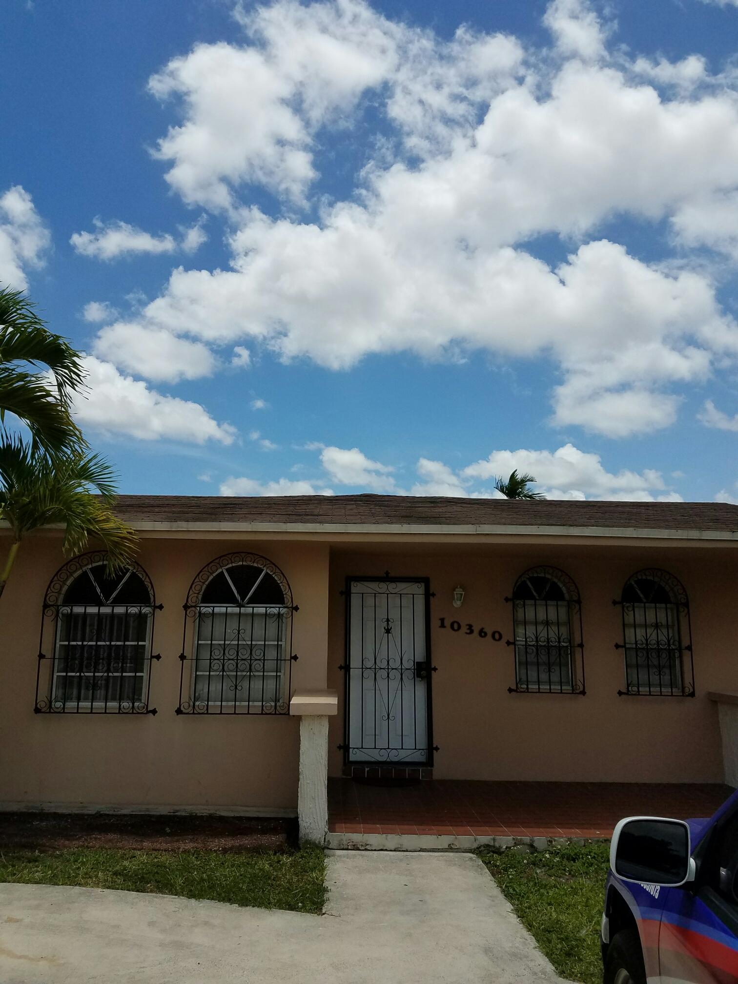 Miami, FL - Shingle re-roof estimate in Miami