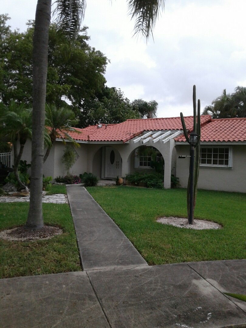 Miami, FL - Facial wood repair in the city of Miami Florida this repair is being done by Earl W Johnston roofing company Tony Glen and Adam are your repair technicians