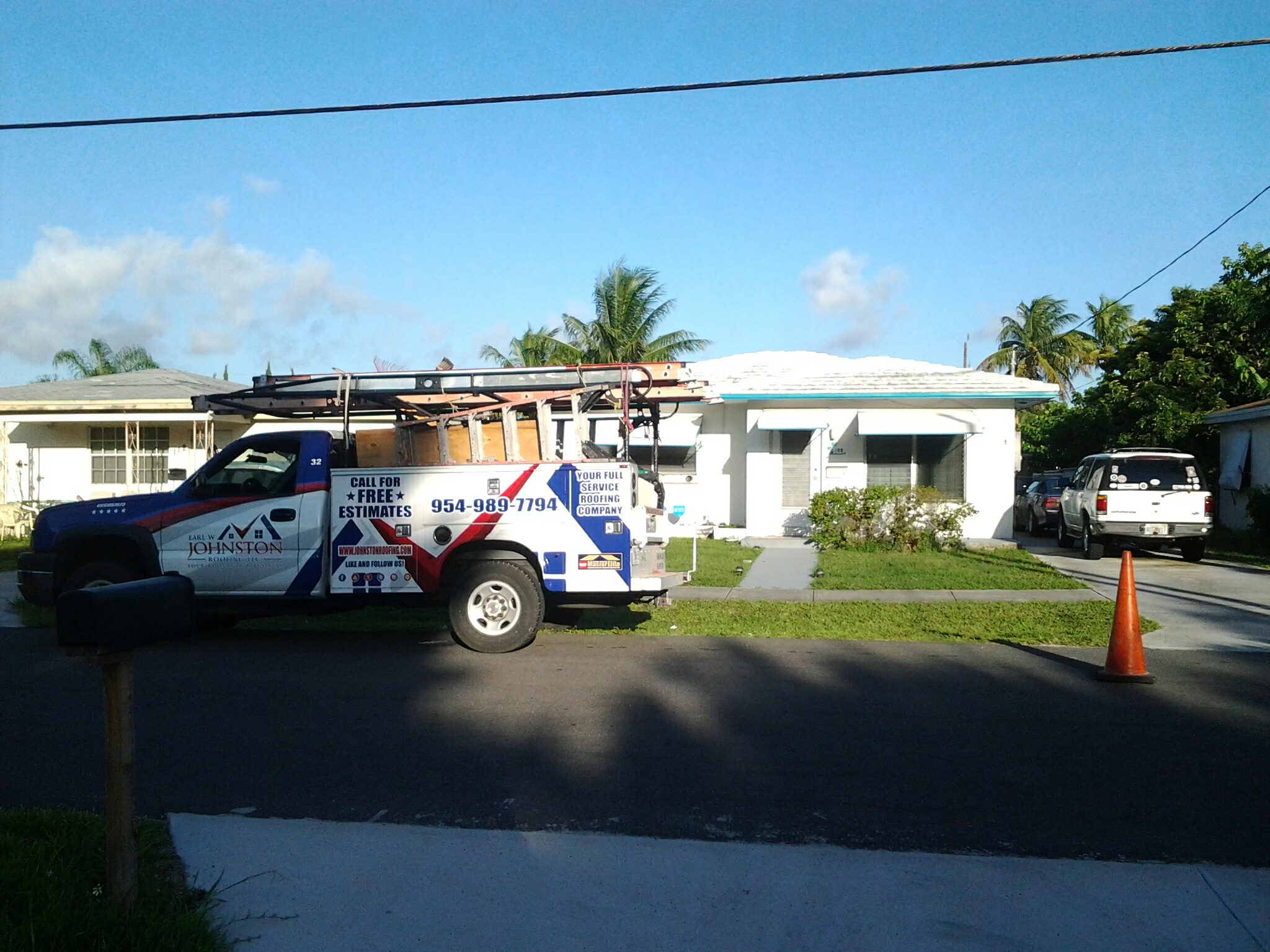Hallandale Beach, FL - Tile roof repair in the city of Hallandale beach fl this repair is being done by Earl w Johnston roofing company Jos? end Duane are you repair technicians