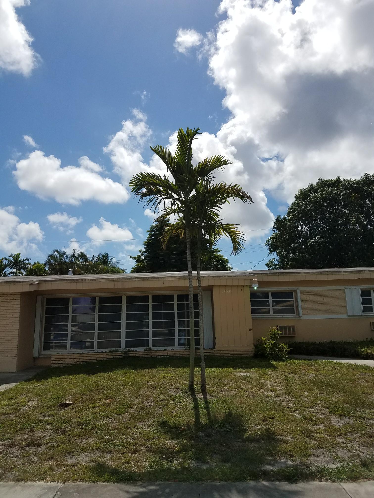 Miami, FL - Flat roof repair estimate in Miami