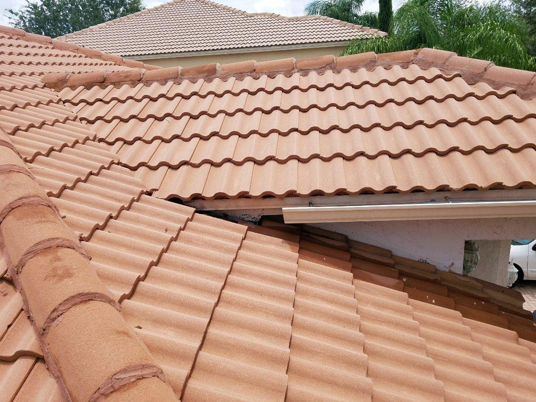 Weston, FL - Tile roof repair estimate in Weston, FL