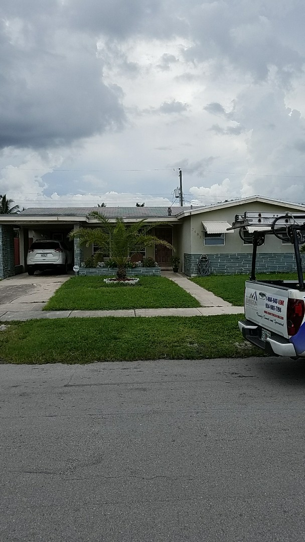 Hollywood, FL - Fascia and soffit repair estimate by AJ from Earl Johnston Roofing