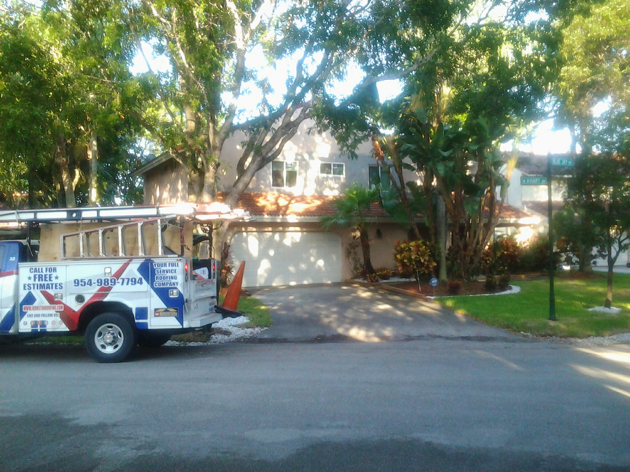 Hollywood, FL - Tile roof repair in the city of cooper city fl this repair is being done by Earl w Johnston roofing company Jos? end Duane are you repair technicians
