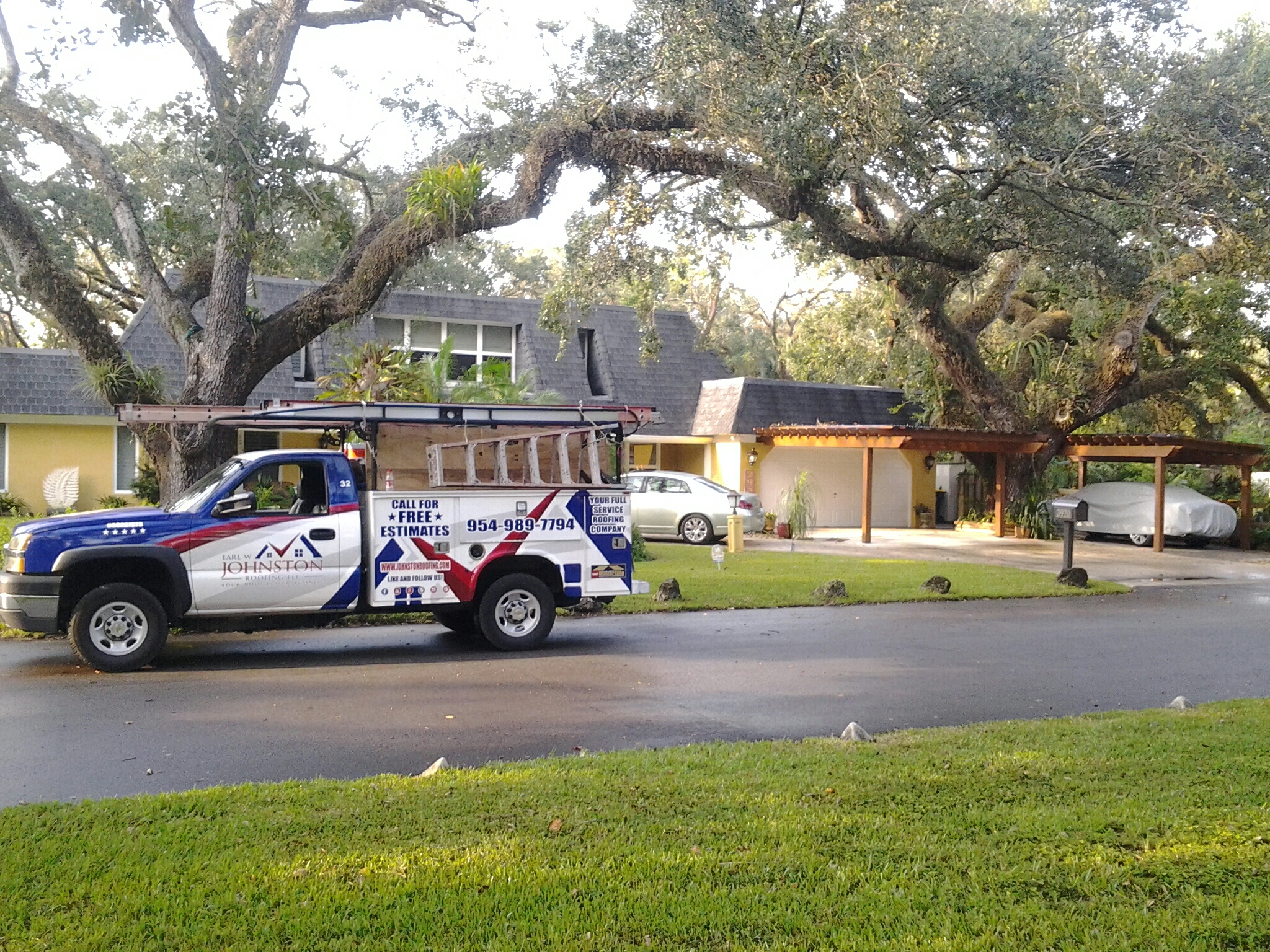Fort Lauderdale, FL - Flat roof repair in the city of fort Lauderdale fl this repair is being done by Earl w Johnston roofing company Tony  Kris Duane end  Jos? are you repair technicians