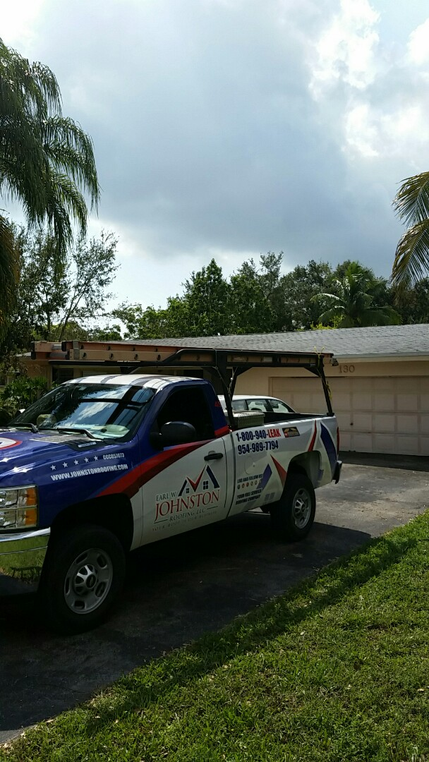 Miami, FL - Estimate for hurricane damage shingle roof