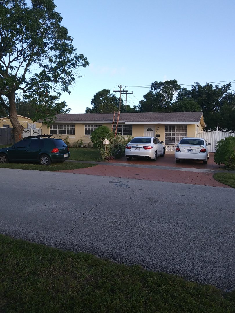 Hollywood, FL - Finished gaf timberline shingle and flat roof