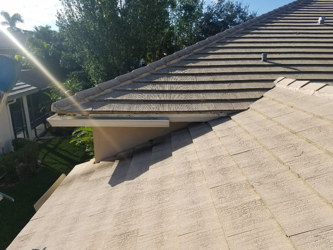 Tile roof replacement estimate in Weston, FL