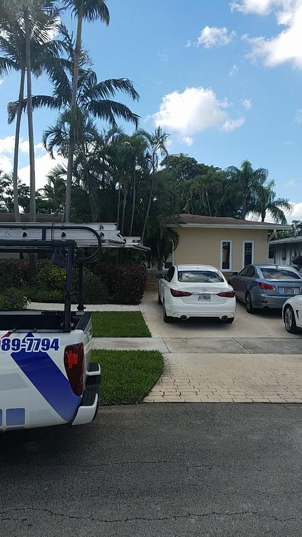 Opa-locka, FL - Shingle roof leak repair estimate by Earl johnston roofing