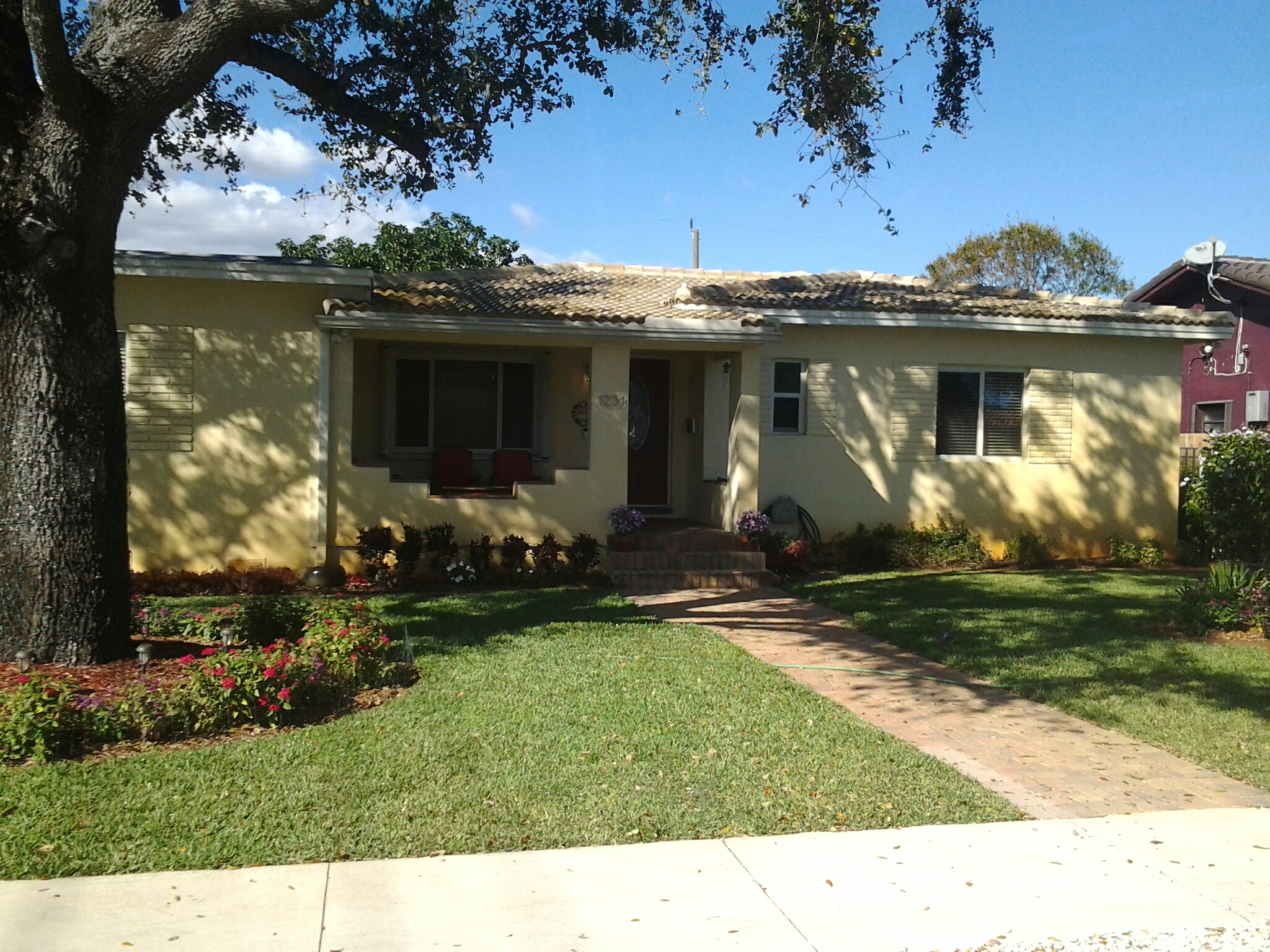 Miami Springs, FL - Jerry's finished pressure washing