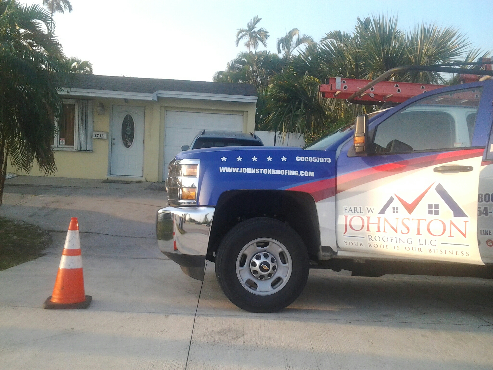 Hollywood, FL - Shingles roof repair in the city of hollywood fl this repair is being done by Earl w Johnston roofing company Jos? end Duane are you repair technicians