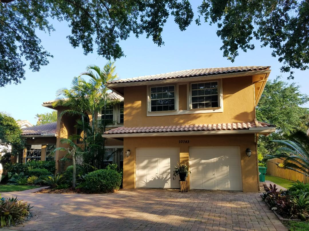 Hollywood, FL - Tile roof replacement estimate in Cooper City, FL