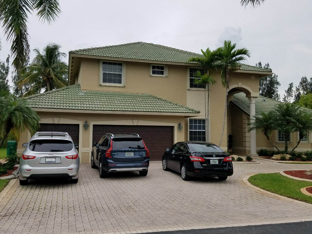 Tile roof replacement estimate in Davie, FL