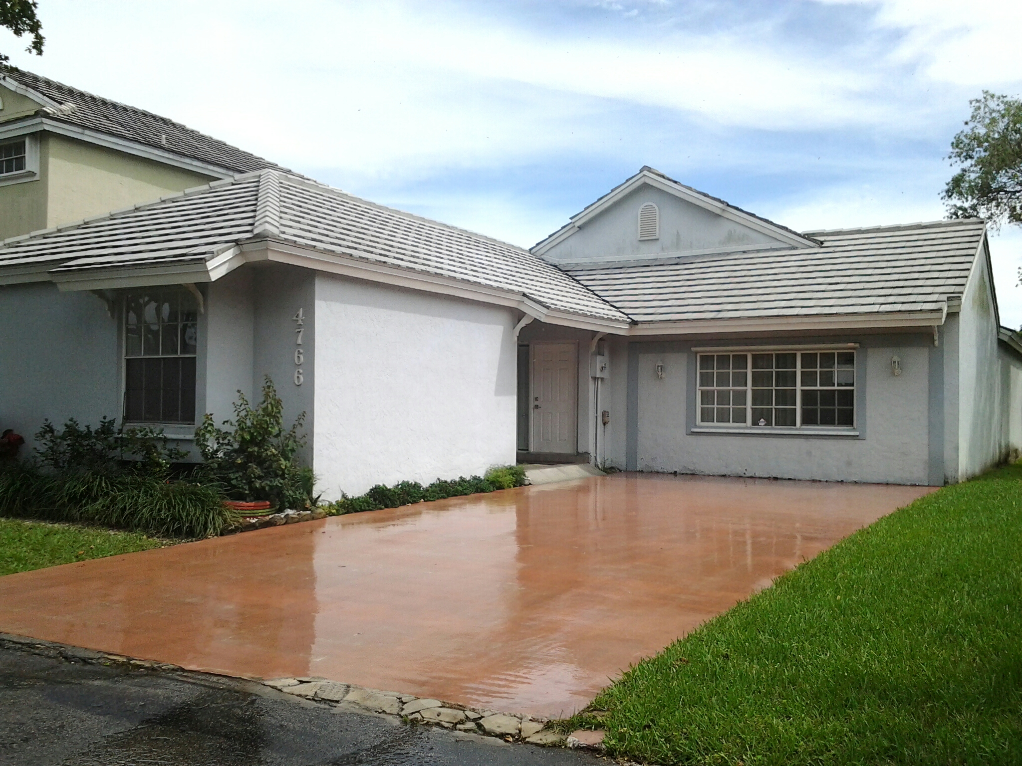 Doral, FL - Brandon and Gary applied roof a cide