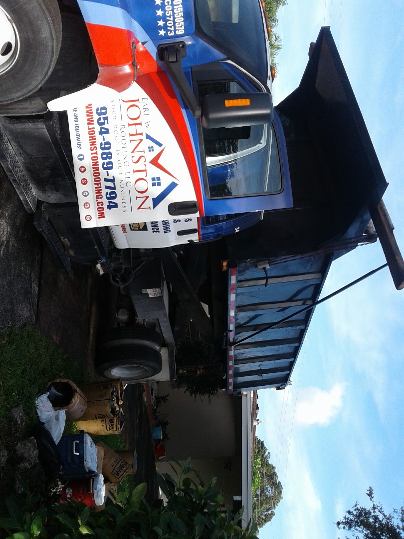 North Miami Beach, FL - Starting a 20sq shingle reroof in North Miami beach, by Earl w Johnston roofing.