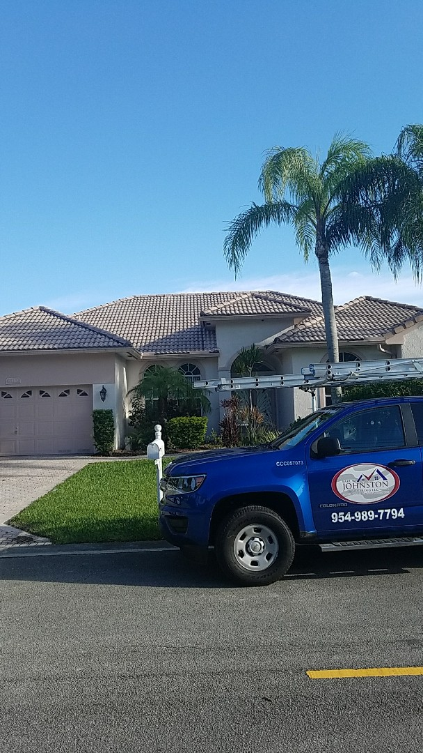 Pompano Beach, FL - Tile roof leak repair estimate by Earl Johnston Roofing Your Full Service Roofing Company