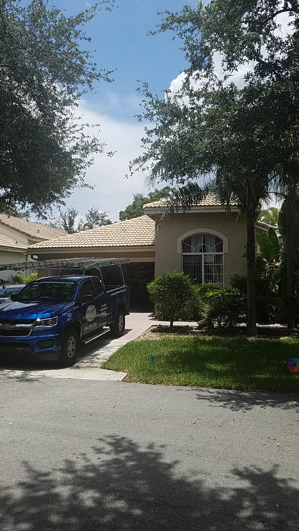 Coconut Creek, FL - Tile roof repair estimate by Earl Johnston Roofing Company