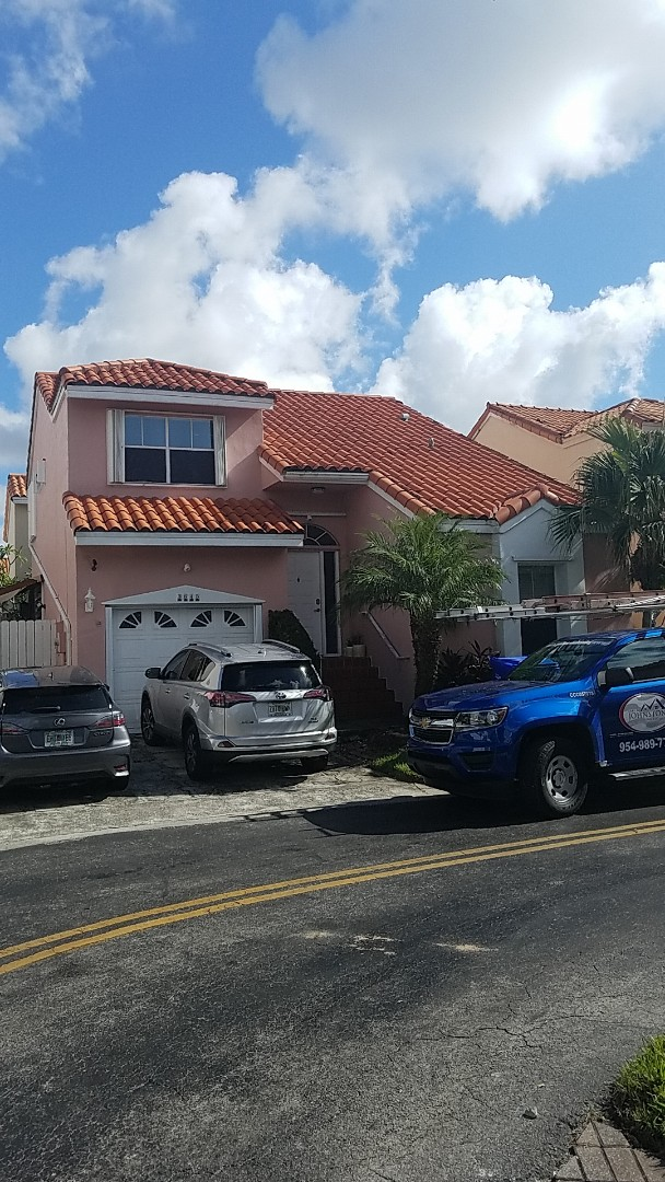 Hollywood, FL - Santafe S clay tiles reroof estimate by Earl Johnston Roofing