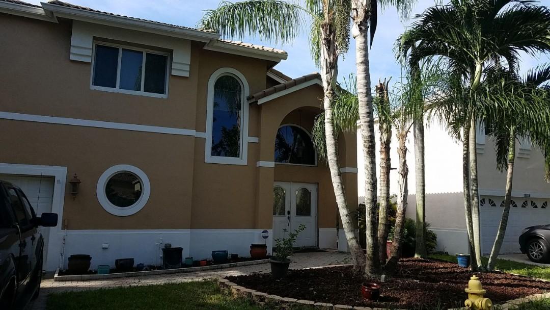 Hollywood, FL - Tile re-roof estimate in Cooper City, FL