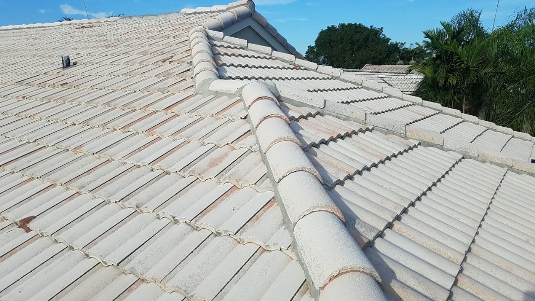 Tile roof replacement estimate in Pembroke Pines, FL