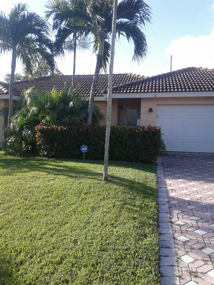 Deerfield Beach, FL - Roof repair in the city of Deerfield Beach Florida this repair is being done by Earl W Johnston roofing company Tony Regis and Mariner are you repair technicians