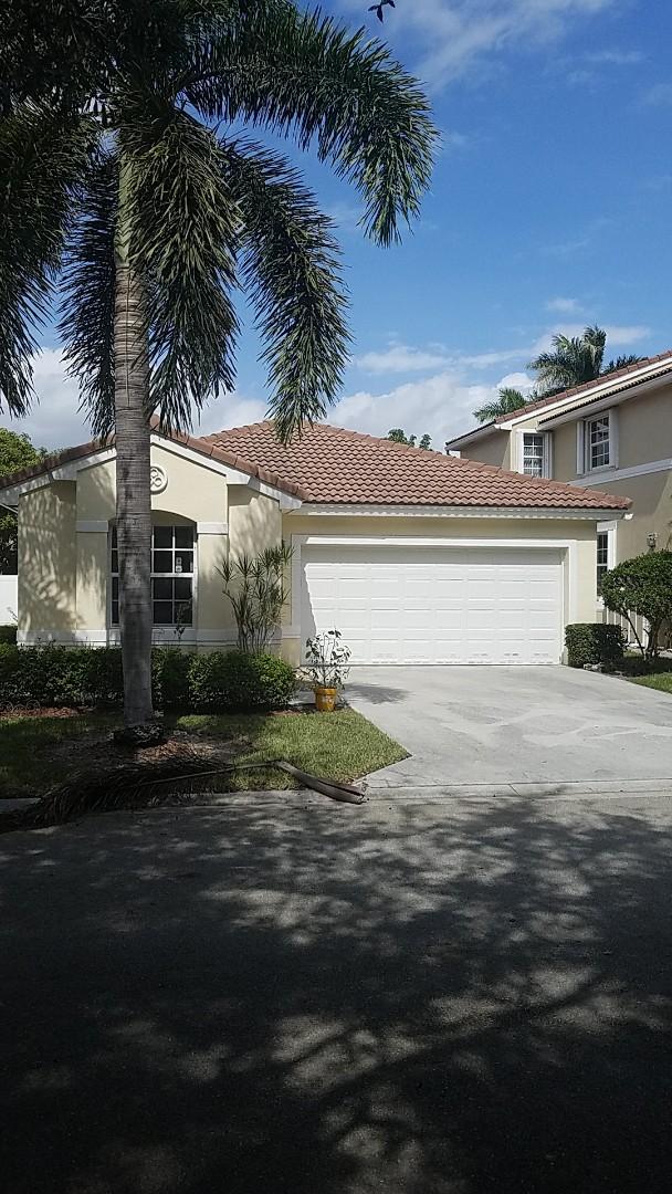Coral Springs, FL - Tile roof leak repair estimate by Earl Johnston Roofing Company