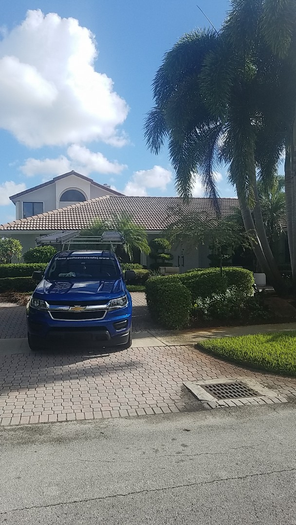 Hollywood, FL - Tile roof repair estimate by Earl Johnston Roofing Company