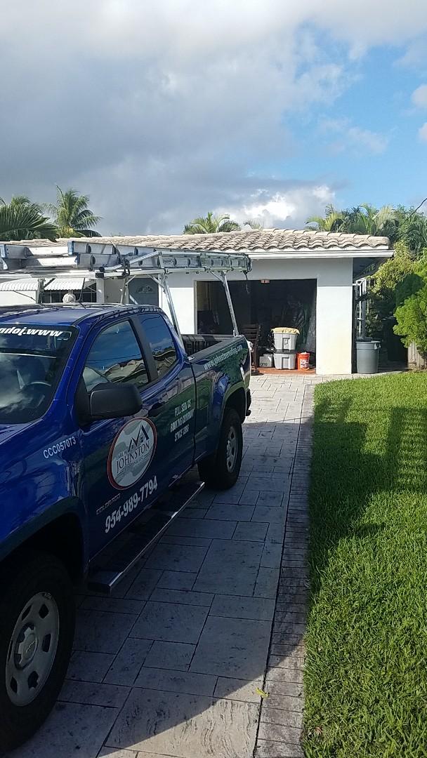 Fort Lauderdale, FL - Flat roof repair estimate by Earl Johnston Roofing