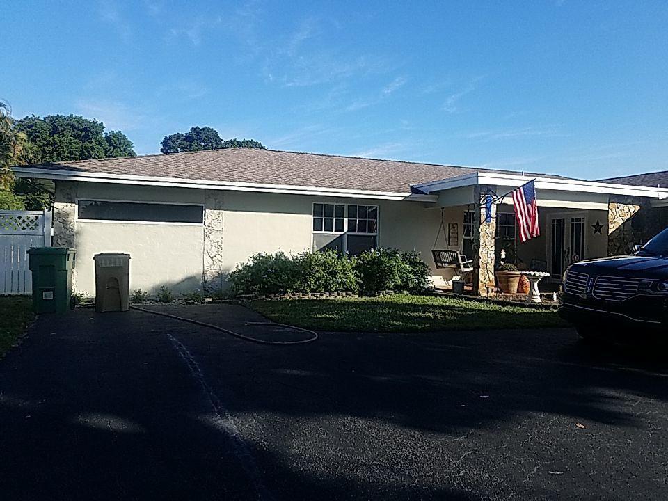 Roof leak repair estimate in Davie, FL