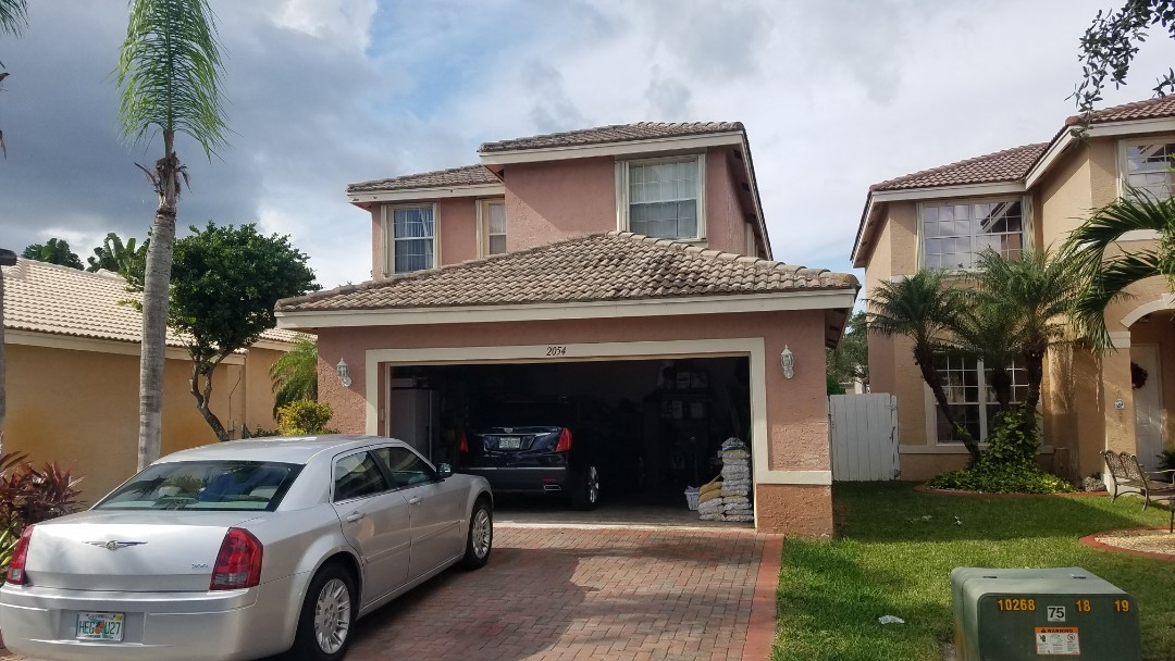 Miramar, FL - Roof cleaning and roof-a-cide estimate in MIRAMAR,FL