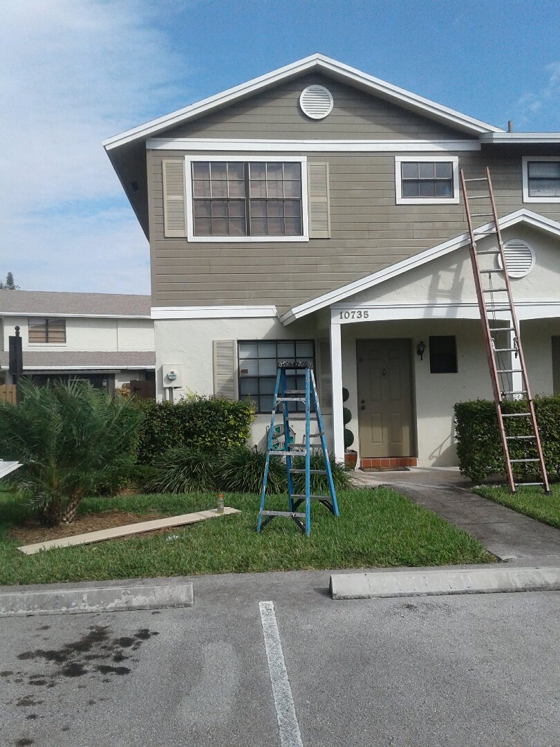 Pembroke Pines, FL - Wood repair in the city of Pembroke Pines Florida this repair is being done by Earl W. Johnston roofing company Tony and Jose are you repair technicians