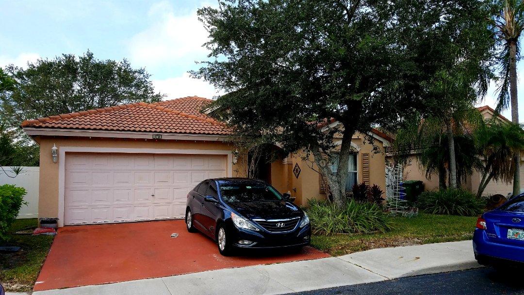 Pembroke Pines, FL - Tile re-roof is signed up in Pembroke Pines, FL