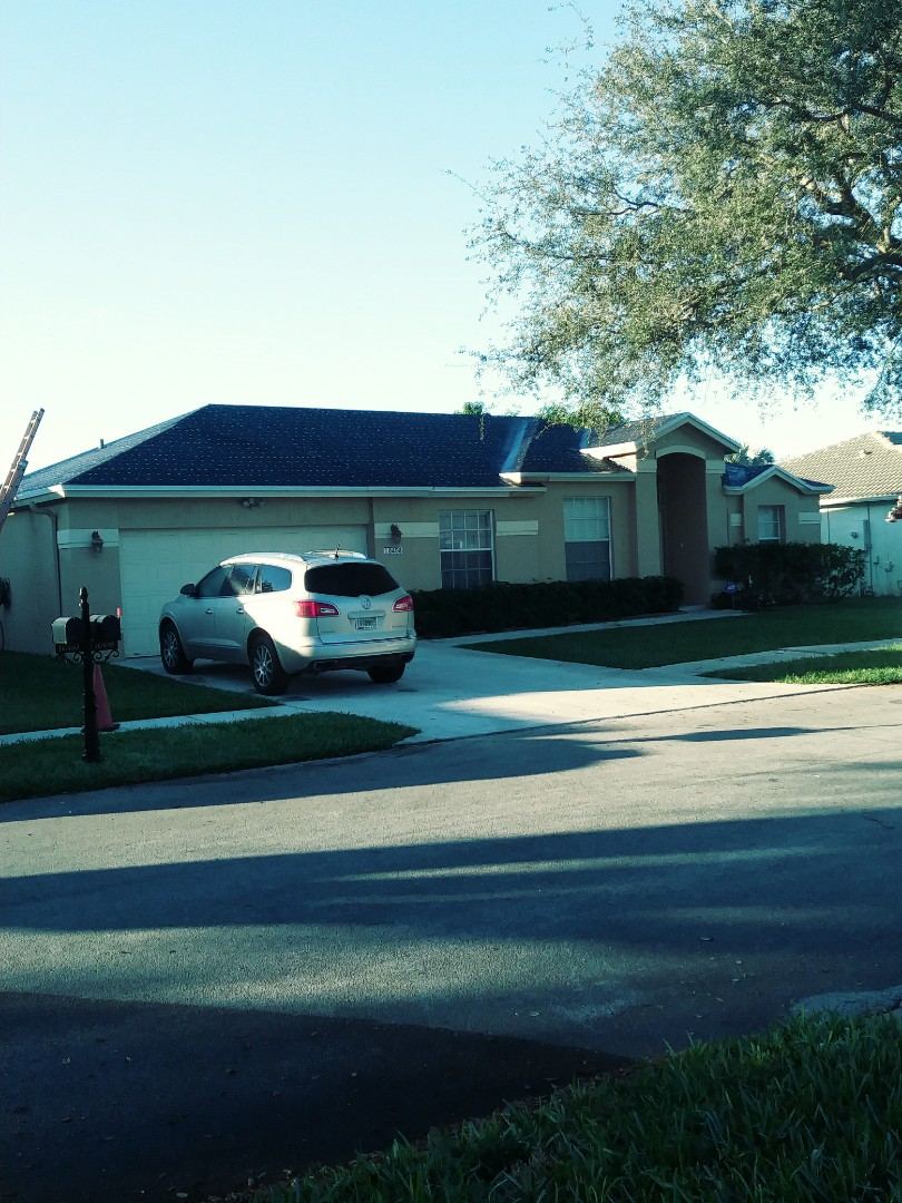 Miramar, FL - Roof ready for the anchor sheet tin cap inspection by earl w Johnston roofing llc