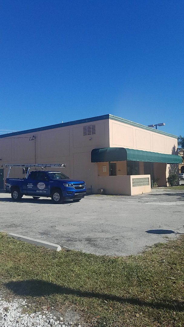 Fort Lauderdale, FL - Commercial roof replacement estimate by Earl Johnston Roofing Company