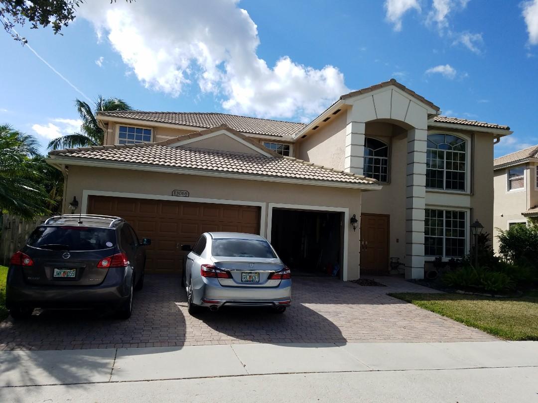 Pembroke Pines, FL - Tile roof leak repair estimate in Pembroke Pines Florida