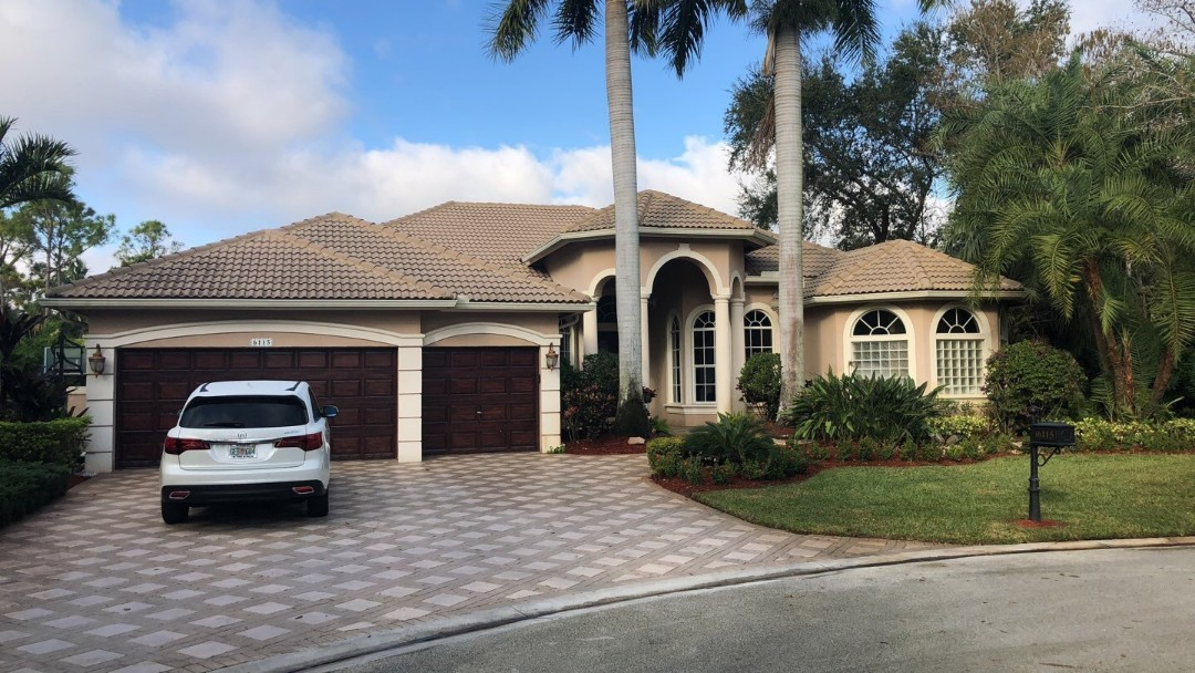 Parkland, FL - Tile roof leak repair estimate by Earl Johnston Roofing Company