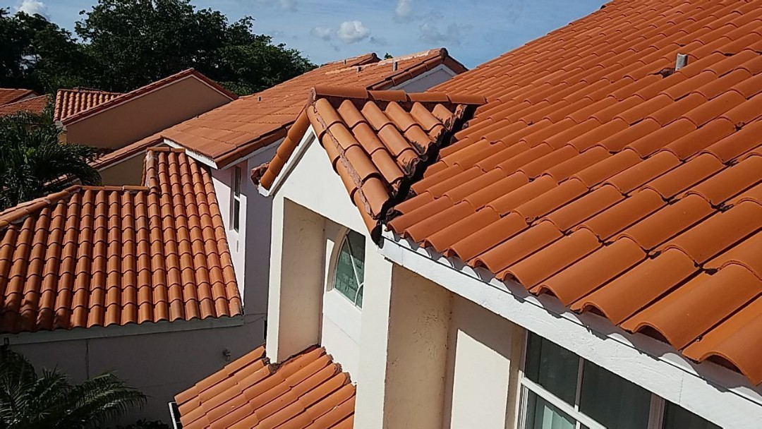 Hollywood, FL - Clay tile roof replacement estimate in Hollywood,FL