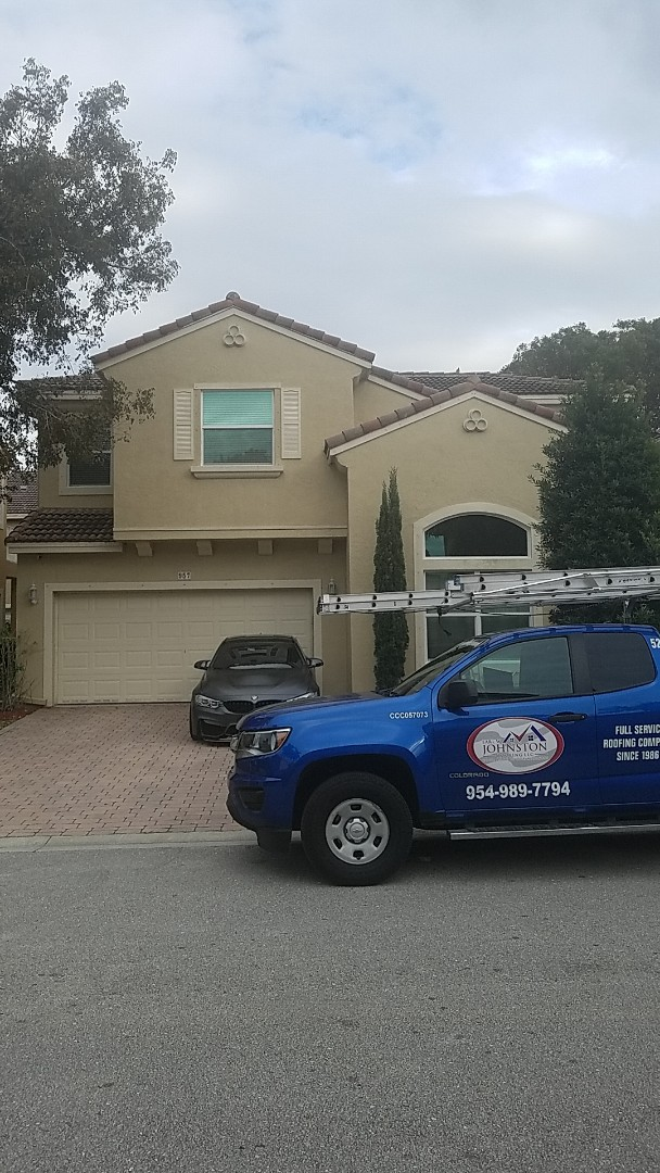 Coral Springs, FL - Tile roof repair estimate by Earl Johnston Roofing Company