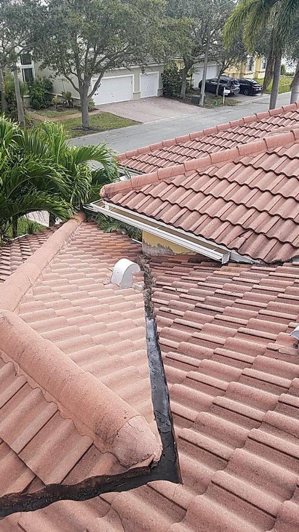 Fort Lauderdale, FL - Tile roof leak repair estimate in Fort Lauderdale,FL